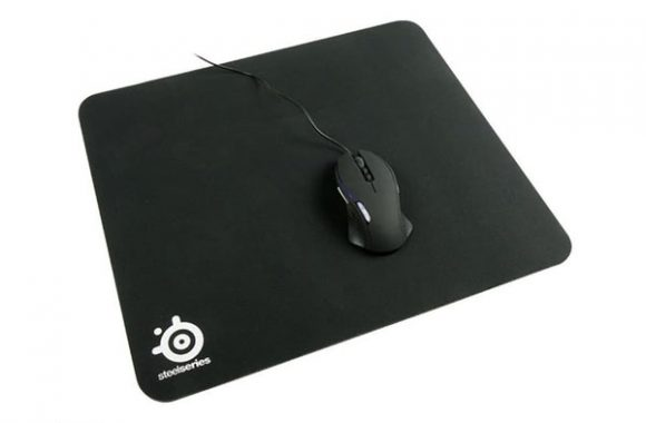 STEELSERIES QCK HEAVY (W 450 X L 400 X H 6MM)